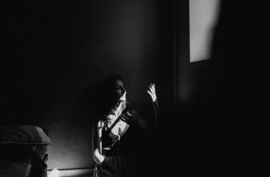 Emilie Massal fait un portrait de Caro Cuinet Wellings de BlueCicada Photography