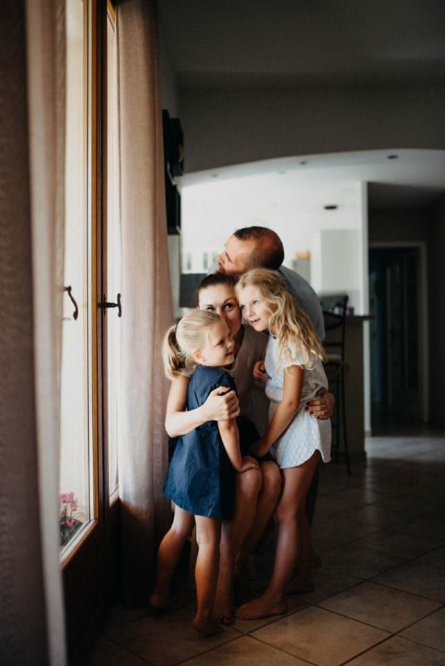 FAMILLE UNIE SEANCE FAMILLE A LA MAISON